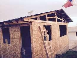 Projekty, rustykalne Domy zaprojektowane przez Construcciones JYR