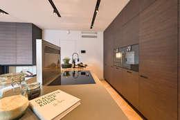 Attico G 43/12 : Cucina in stile in stile Moderno di FADD Architects