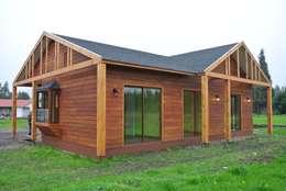 Casas de estilo rural por AtelierStudio