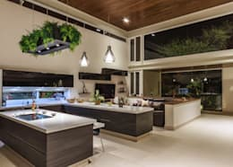 Cocina: Cocinas de estilo moderno por Loyola Arquitectos