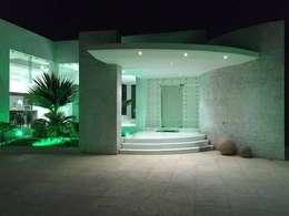 房子 by SG Huerta Arquitecto Cancun