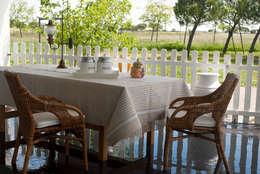 rustic Dining room by Linho de Cerva e Limões