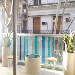 Balcón/ Monoambiente:  de estilo  por Estudio Nicolas Pierry