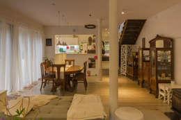 HP HOUSE: Comedores de estilo escandinavo por Moraga Höpfner Arquitectos