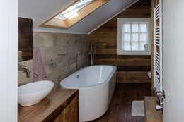 scandinavian Bathroom by Moraga Höpfner Arquitectos