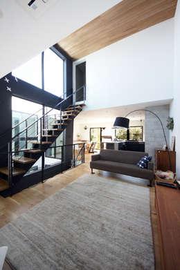 Salas / recibidores de estilo moderno por TERAJIMA ARCHITECTS