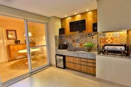 modern Kitchen by MAJÓ Arquitetura de Interiores