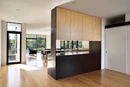 Rosedale Residence: modern Kitchen by KUBE Architecture