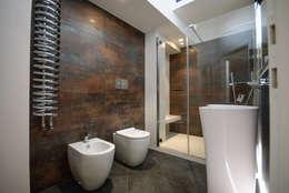 Projekty,  Łazienka zaprojektowane przez Architetto Francesco Franchini