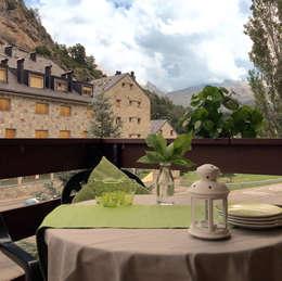 Home Staging en vivienda de montaña: Jardines de estilo rural de Noelia Villalba