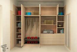 : Vestidores y closets de estilo moderno por TAMEN arquitectura