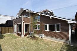 modern Houses by 木の家株式会社