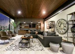 Sala Bar: Salas de estilo moderno por Loyola Arquitectos