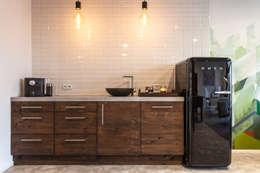 Keuken:  Kantoren & winkels door Bob Romijnders Architectuur & Interieur