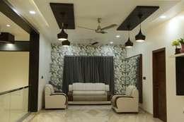 Family lounge:  Corridor & hallway by Hasta architects