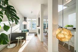 غرفة المعيشة تنفيذ Masters of Interior Design