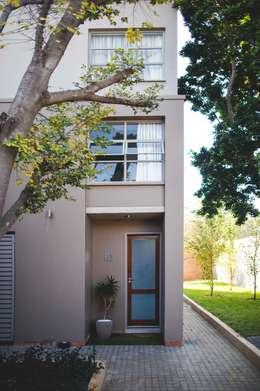 Menlo Gate: modern Houses by Swart & Associates Architects