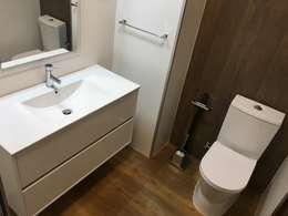 浴室 by Obras & Detalhes, Engenharia e Construção