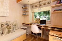 minimalistic Study/office by Chibi Moku