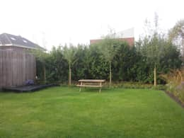 nieuwbouwwoning eelderwolde: moderne Tuin door GroenerGras Hoveniers