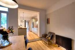 minimalistische Eetkamer door ADG Bespoke