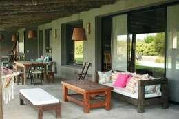Casas de estilo rústico por Rocha & Figueroa Bunge arquitectos