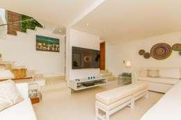 mediterranean Living room by Tammaro Arquitetura e Engenharia