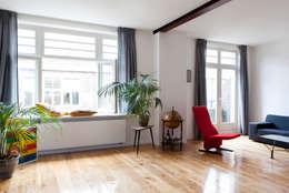 BAARSJES RENOVATION: moderne Woonkamer door Kevin Veenhuizen Architects