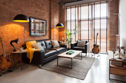 Ruang Keluarga by Orchestrate Design and Build Ltd.