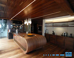 Preller Clifton: modern Kitchen by DV8 Architects