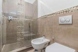 modern Bathroom by Facile Ristrutturare