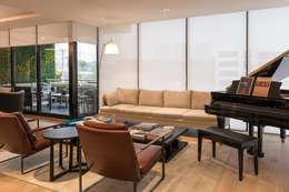 Departamento Citadel - ARCO Arquitectura Contemporánea: Salas de estilo clásico por ARCO Arquitectura Contemporánea