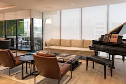 Salas de estar clássicas por ARCO Arquitectura Contemporánea