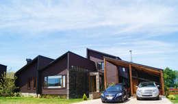 Fachada principal : Casas de estilo moderno por Smartlive Studio
