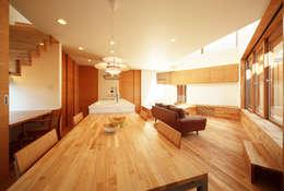 haus-kaap: 一級建築士事務所hausが手掛けたダイニングです。