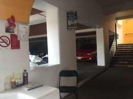 Oficinas y locales comerciales de estilo  por Cahtal Arquitectos
