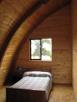 Projekty,  Sypialnia zaprojektowane przez Estudio Terra Arquitectura & Patrimonio