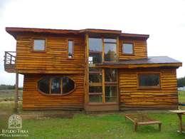 : Casas de estilo moderno por Estudio Terra Arquitectura & Patrimonio