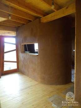 Walls by Estudio Terra Arquitectura & Patrimonio