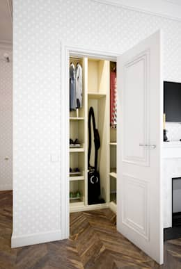 Vestidores y closets de estilo clásico por Marina Sarkisyan
