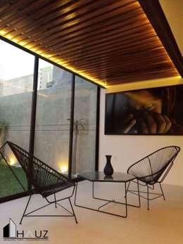 CASA LF: Terrazas de estilo  por HAUZ-ARQ