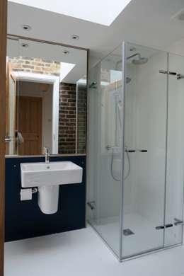 modern Bathroom by A2studio