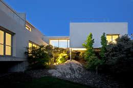 modern Houses by ABATON