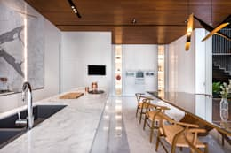 Courtyard House: modern Dining room by ming architects