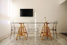 Casa K: Sala da pranzo in stile in stile Moderno di Progetto Kiwi Architettura
