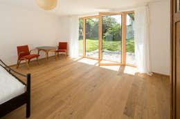 EFH H-K.: moderne Schlafzimmer von brack architekten