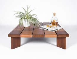 Tavolino da Caffè Basso in Legno Massello di Iroko /Coffee table / Mid century coffee table solid wood /: Soggiorno in stile in stile Scandinavo di Ebanisteria Cavallaro