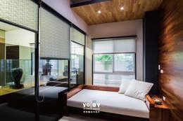 Projekty,  Domowe biuro i gabinet zaprojektowane przez 有容藝室內裝修設計有限公司