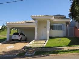 Casas de estilo clásico por Barbara Oriani Arquiteta