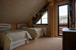 Projekty,  Sypialnia zaprojektowane przez GOOD WOOD